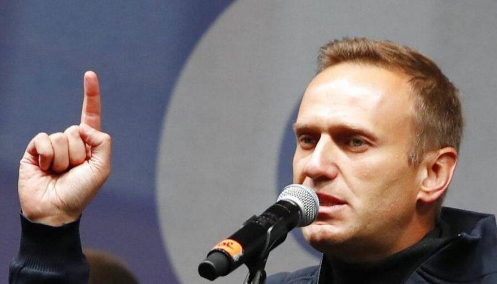 Навальный осуждает отношения с российской экономикой