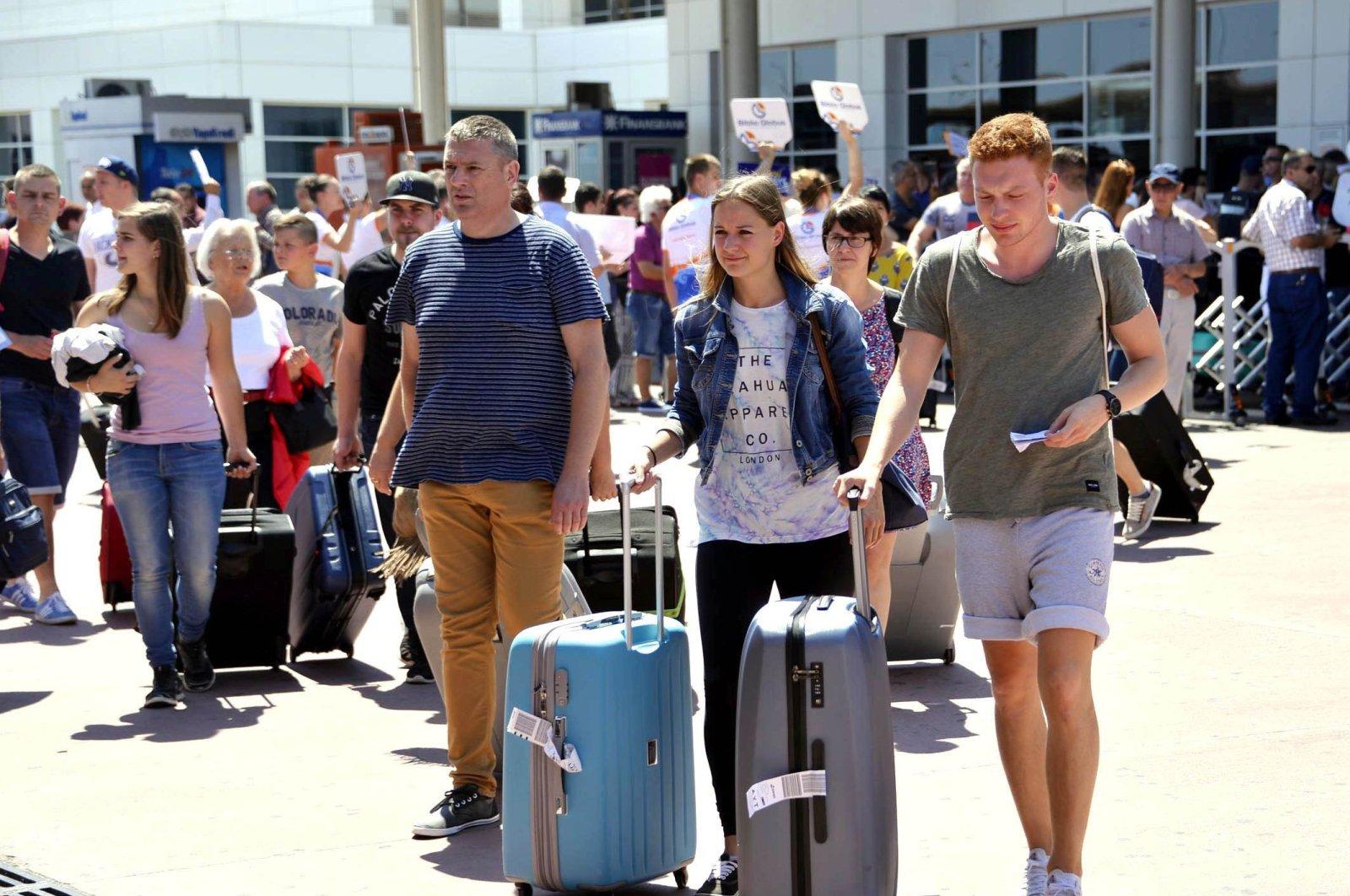 Прекращение авиасообщения с Турцией ударило по туристическому сектору России