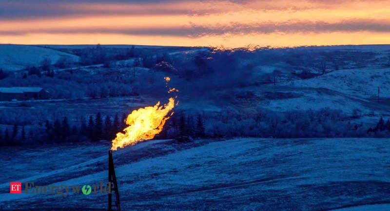 Российские производители нефти изо всех сил пытаются сдержать сжигание попутного газа, Energy News, ET EnergyWorld