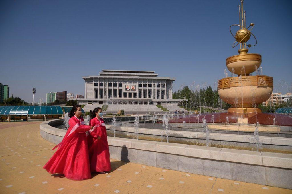 Экономика Северной Кореи практически не растет, поскольку пандемия продолжается