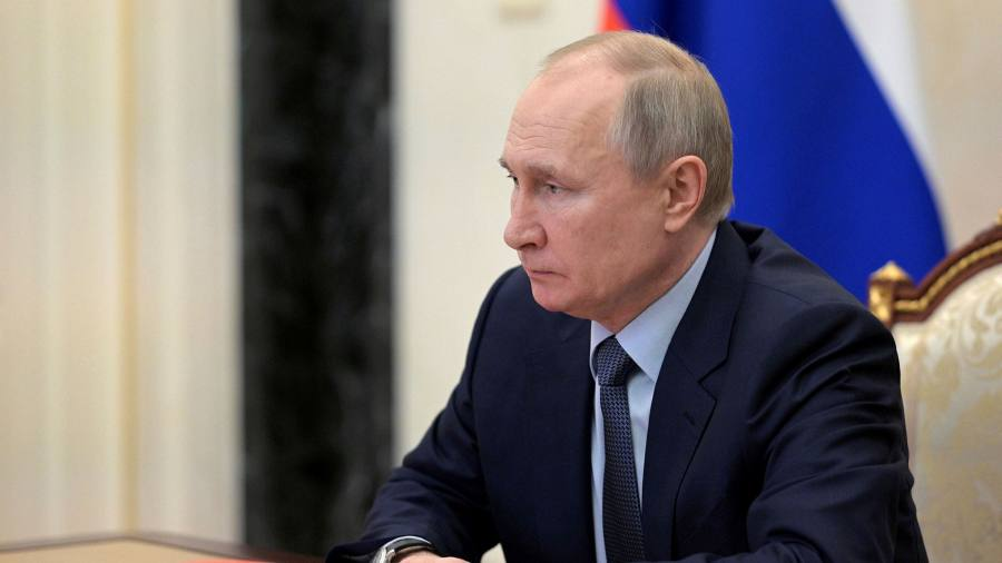 Российские миллиардеры подали в суд на книгу о восхождении Путина