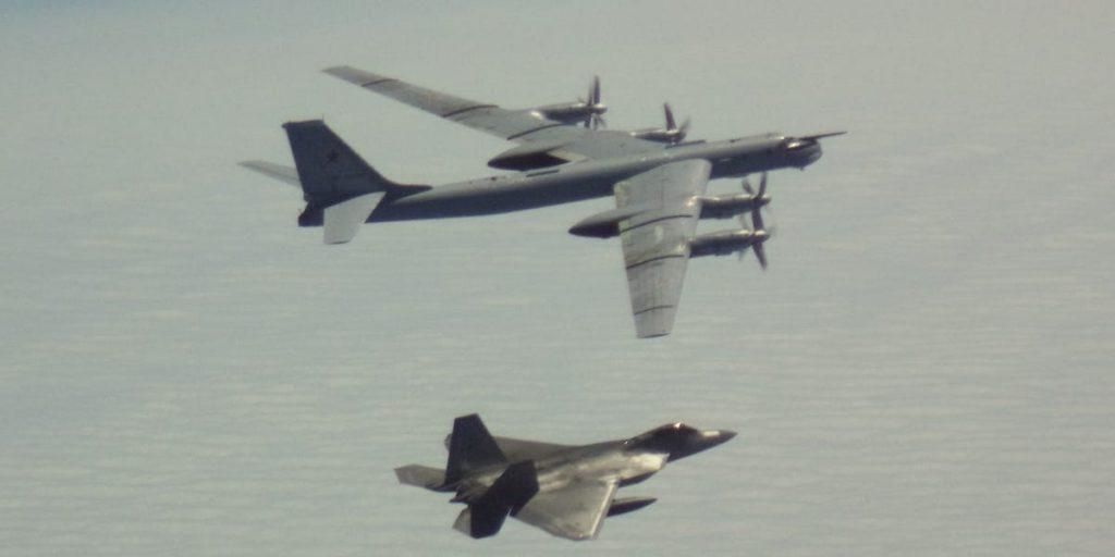 Как Россия более 60 лет удерживает Ту-95 на передовой