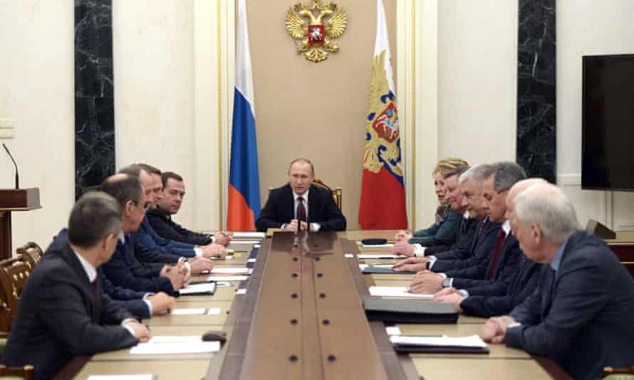 Владимир Путин провел встречу с постоянными членами Совета Безопасности 22 января 2016 года в Кремле.