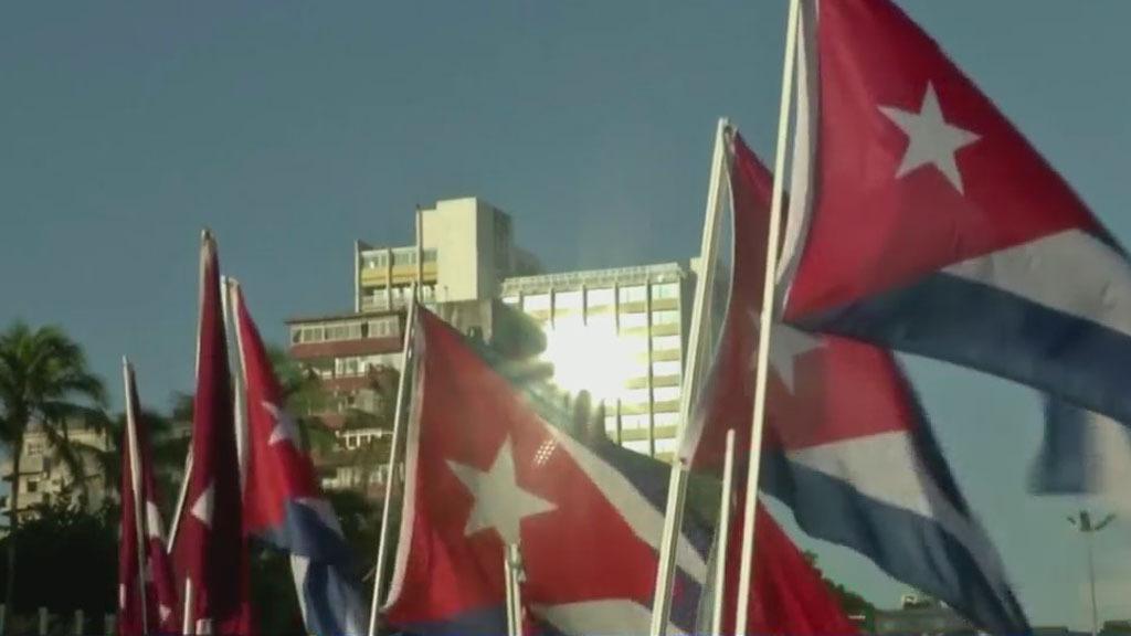 Последние реформы, направленные на открытие кубинской экономики, сопровождались той же старой историей на острове, но будет ли капитализм все еще существовать на этот раз?  - CBS Майами
