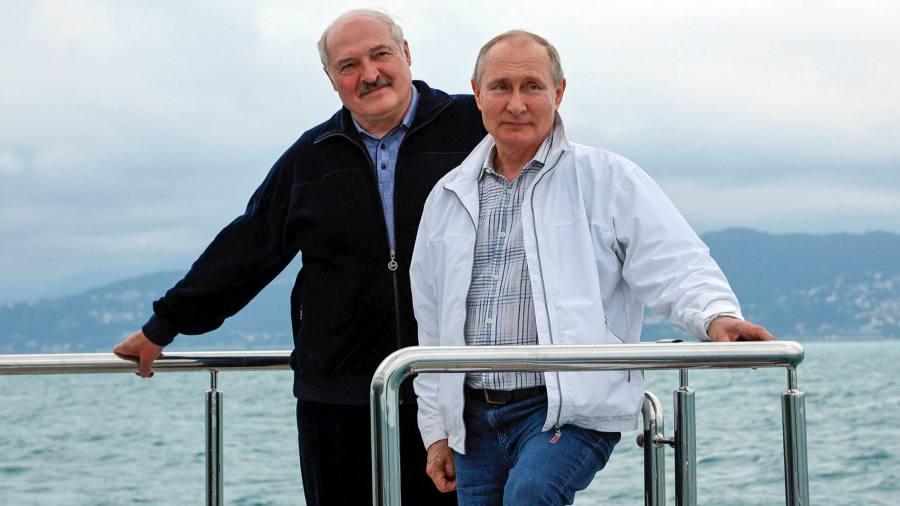 Тесные связи Лукашенко с Россией увеличивают риски для Путина