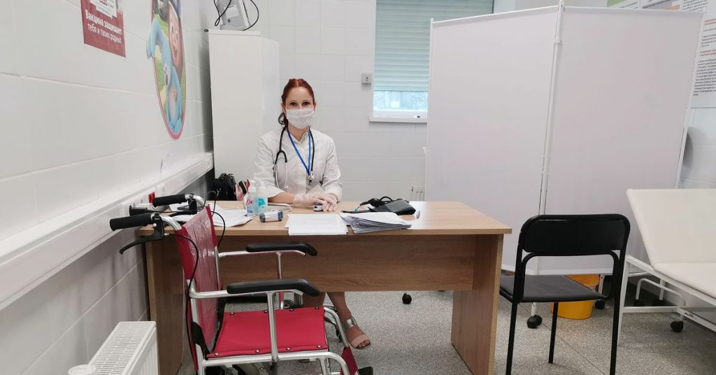 В Report говорится, что Россия может разрешить доступ к незарегистрированным вакцинам от COVID-19