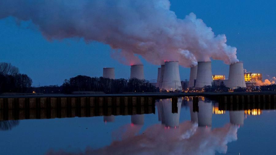 Европейские энергетические компании по-прежнему полагаются на уголь, несмотря на экологические планы