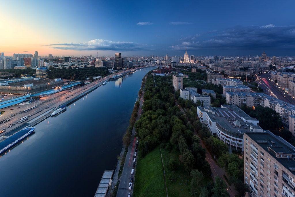 Российские бизнес-магнаты зарабатывают миллиарды на буме недвижимости