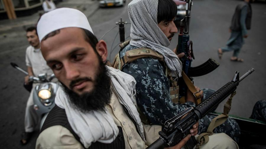 Китай призывает положить конец санкциям в отношении Афганистана, подчеркивая разногласия с Западом