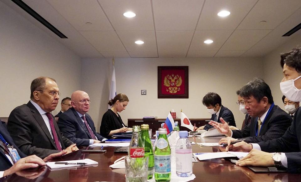 Япония выступает против плана России по созданию зоны без тарифов на спорных островах