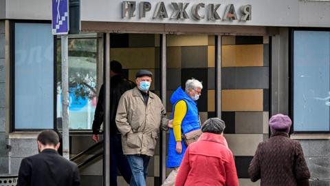 В России зафиксировано 822 случая смерти от коронавируса за один день - последние новости