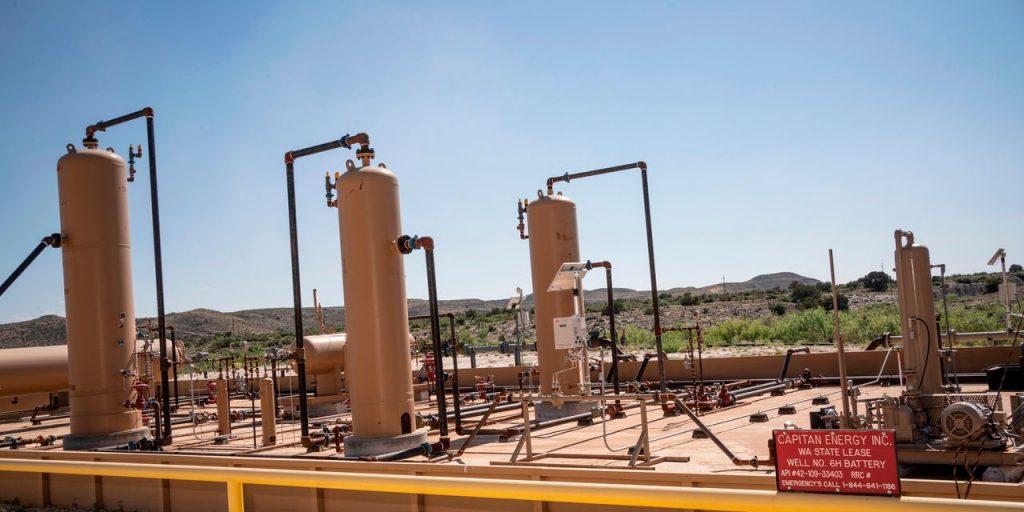 Цены на нефть продолжают расти из-за опасений восстановления мировой экономики